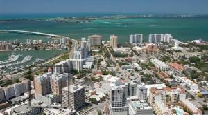 """Miami (Florida): Zahraniční investoři kupující za """"hotové"""" ovládli zdejší trh"""
